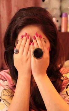 girls hide her face profilr pic for fb