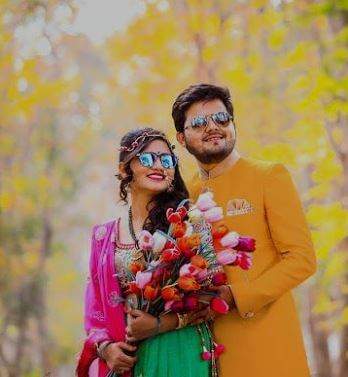 12. prewedding couple with flower (1)