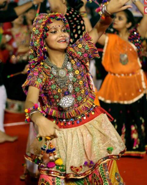 36. navaratri for girls image (1)