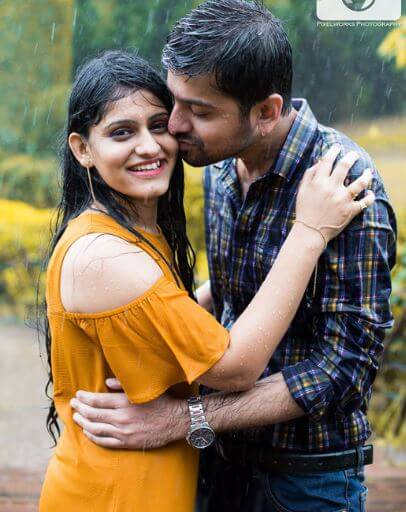 6. pre wedding photography in rain (1)