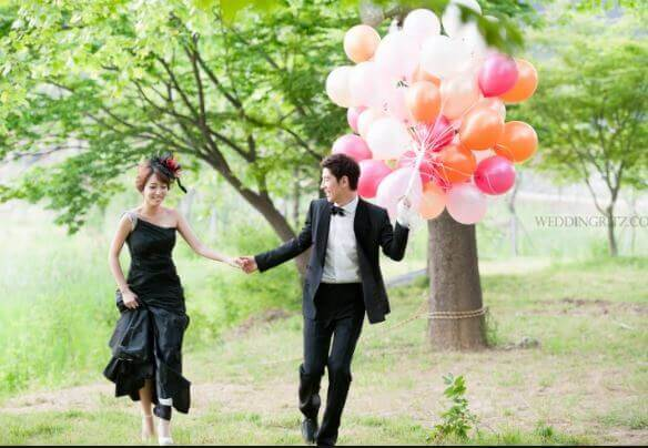 90 pre wedding photo with balloon (1)